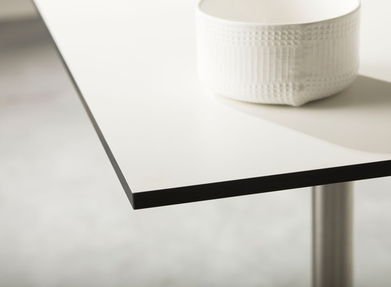 Edge Table by Cane-line