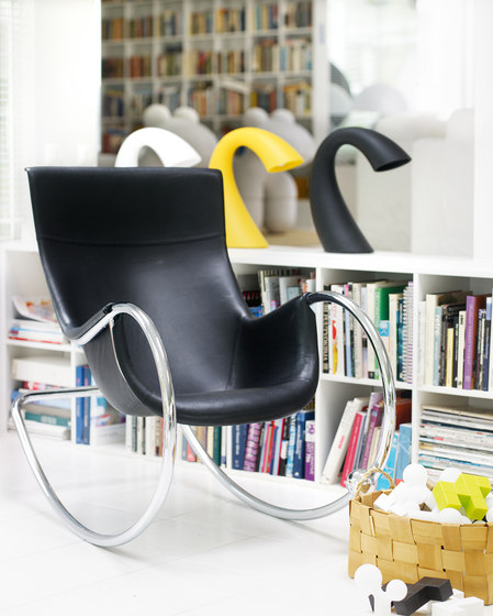 Keinu Rocking chair de Studio Eero Aarnio
