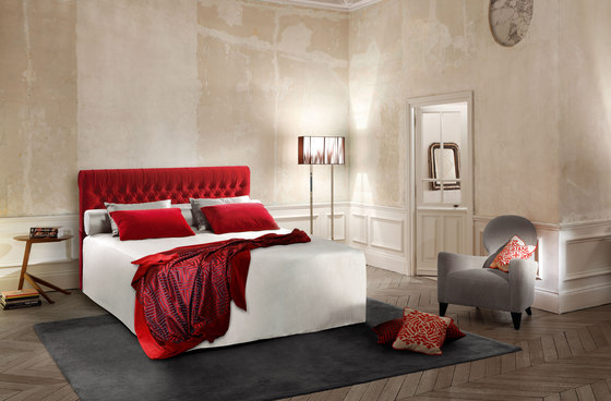 Sleeping Systems Collection Prestige | Headboard Étoile capitonné by Treca Interiors Paris