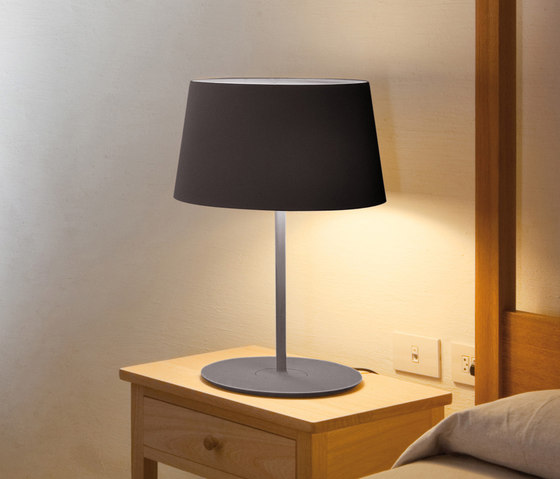 Warm 4906 Floor lamp di Vibia