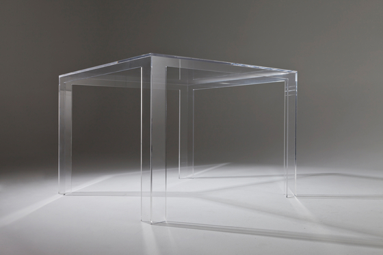 Invisible table low de Kartell