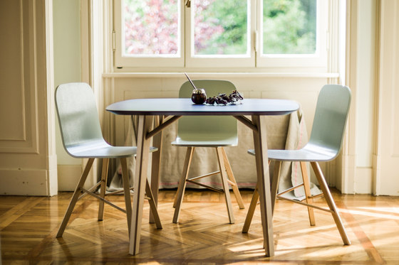 Tria Table round by Colé
