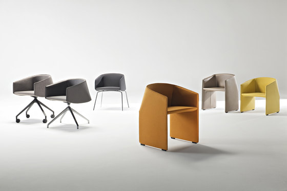 Plau chair by Tecno