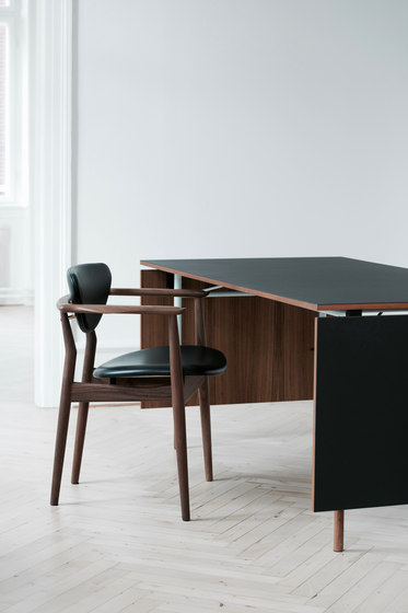 109 Chair by House of Finn Juhl - Onecollection