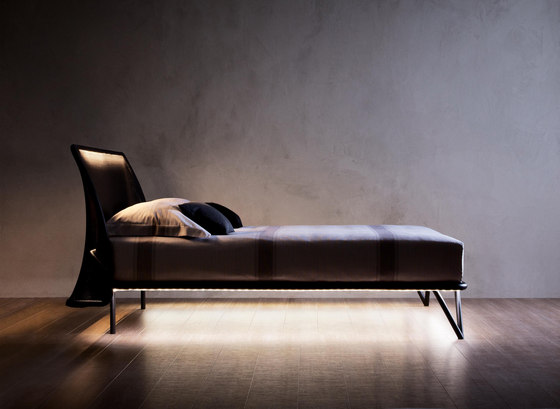 Essentia bed by Flou