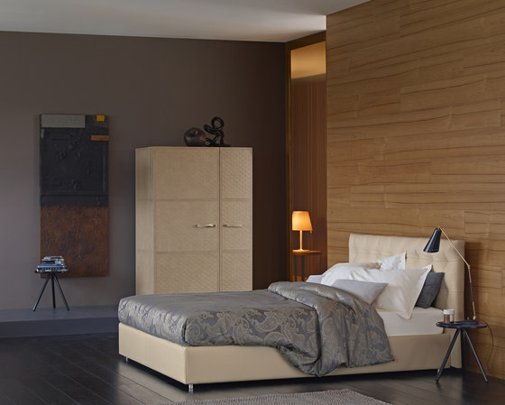 Relais Bed by Flou