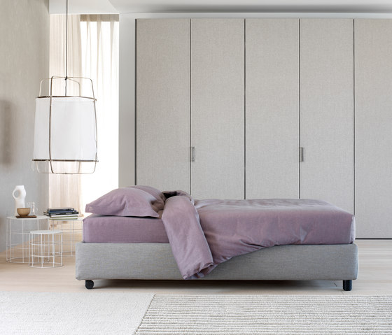 sommier bed by flou sommier double sommier single product. Black Bedroom Furniture Sets. Home Design Ideas