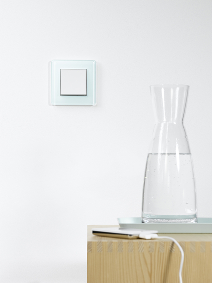 Esprit Glass | Home station by Gira