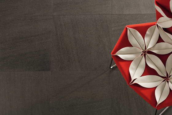 Basaltina stone project | Muretto Lappata by Lea Ceramiche