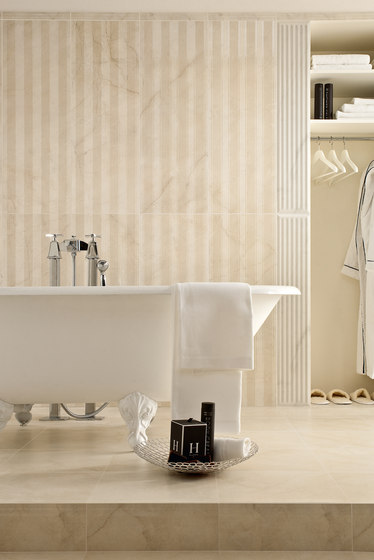 Kalos | Ramage crystal white by Lea Ceramiche