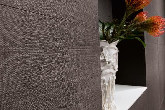 Makò | Decoro pin striped yucca grigio by Lea Ceramiche
