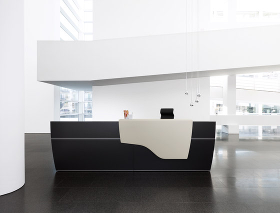 reception desk di Sedus Stoll