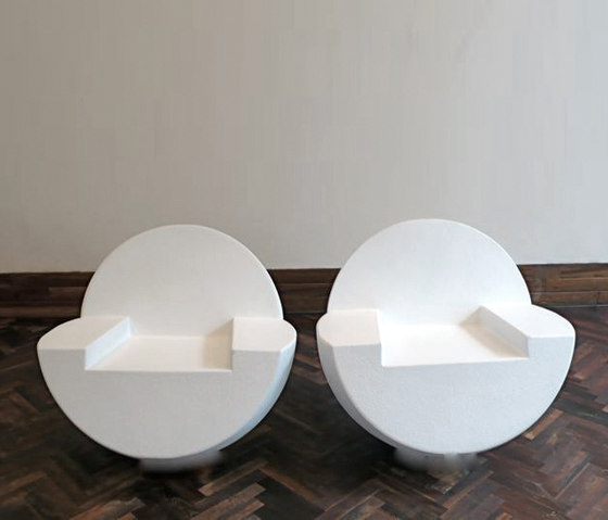 Emptybox Twinchairs by JAN WILLEM de LAIVE