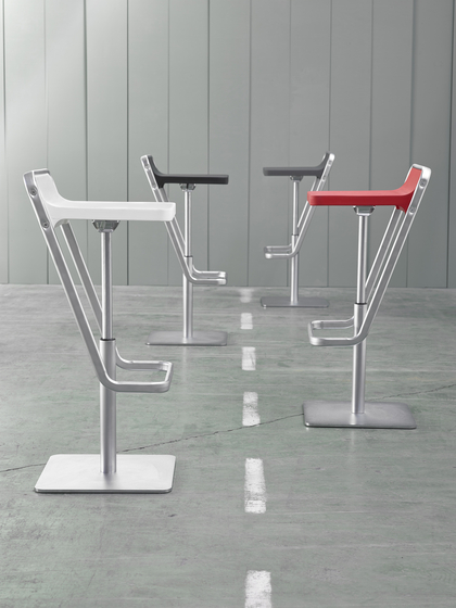 Kide Stool Bar Stools From Ondarreta Architonic