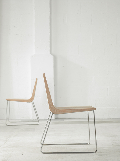 Boomerang XL Chair by ONDARRETA