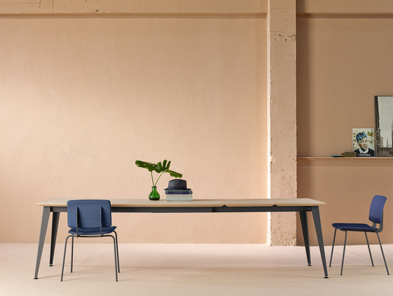 Don Chair with armrests by ONDARRETA