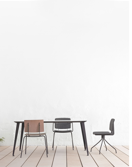 Don Chair upholstered with armrests by ONDARRETA