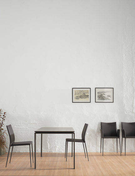 Moka Chair with armrests von ONDARRETA