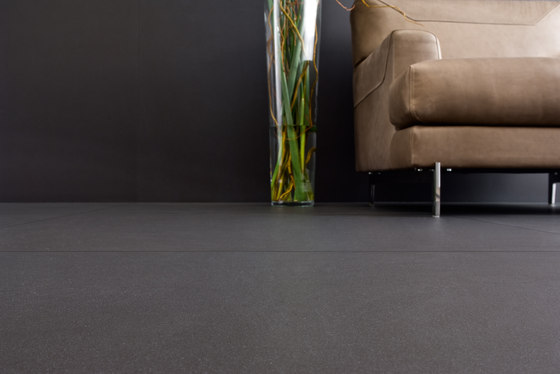 Slimtech Shade I Black coffee by Lea Ceramiche