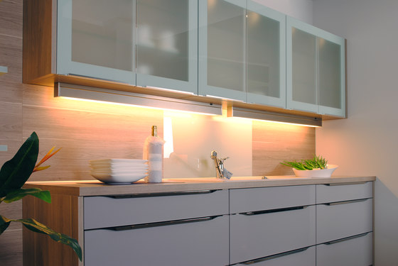 Memphis Under-Cabinet - Swivel and Tilt Under-Cabinet Luminaire by Hera