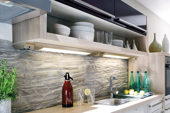 Futura Plus R - Under-Cabinet Luminaire in Customised Lengths with Fittings to Suit by Hera