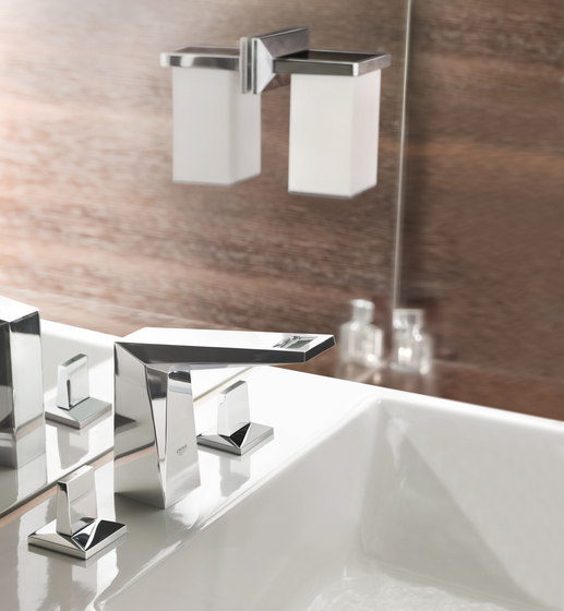 Allure Brilliant Four-hole single-lever bath combination by GROHE