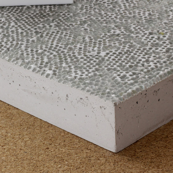 Retroreflective high-performance concrete di selected by Materials Council
