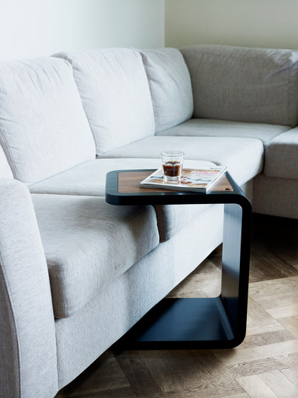 Multi table by Linde&Linde