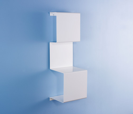 Showcase3 mirror by Linde&Linde