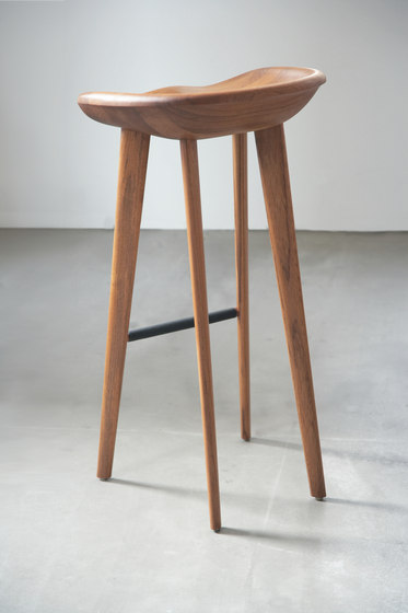 Tractor Bar Stool di BassamFellows