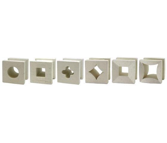 Porous block 100 in-situ by Kenzan