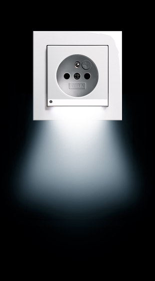 SCHUKO-socket outlet LED | E22 by Gira