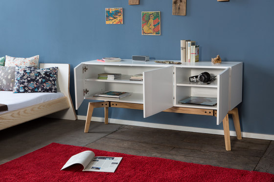 Private Space Sideboard von ellenbergerdesign
