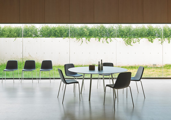 Maarten table 200x80cm with storage unit di viccarbe