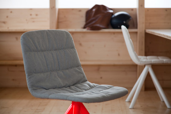 Maarten chair by viccarbe