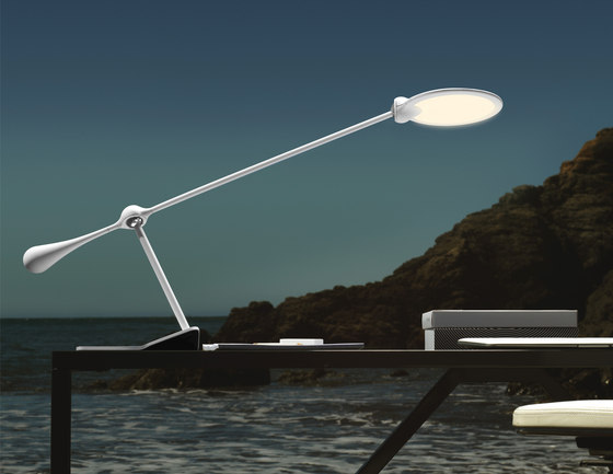 Trapeze LED Table Light Large de Light&Contrast