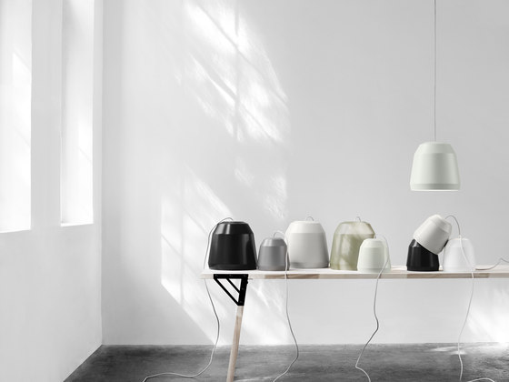 Mingus P1 Nearly Black de Fritz Hansen