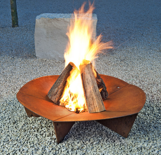 Bloom Fireplace de keilbach