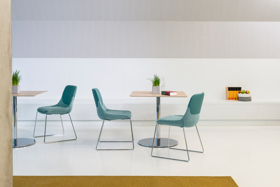 crona Chair 6371 by Brunner