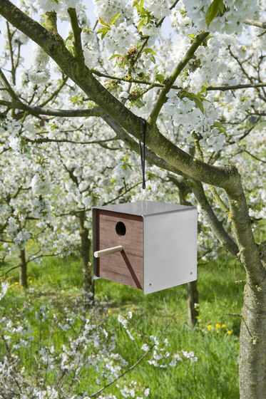 Twitter.Nature Nesting Box by keilbach