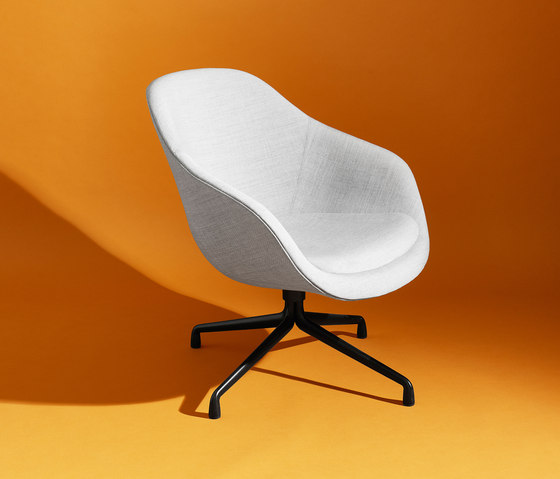 About A Lounge Chair AAL83 von Hay