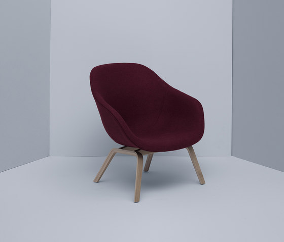 About A Lounge Chair AAL93 de Hay