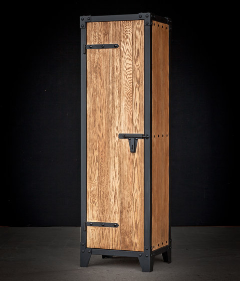 schrank px steel von noodles noodles noodles corp. Black Bedroom Furniture Sets. Home Design Ideas