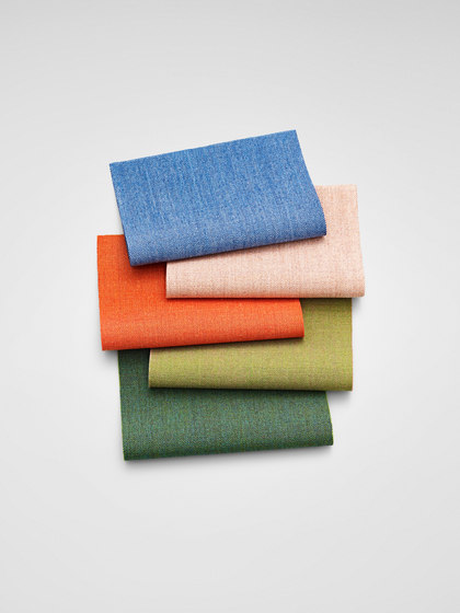 Remix 2 662 by Kvadrat