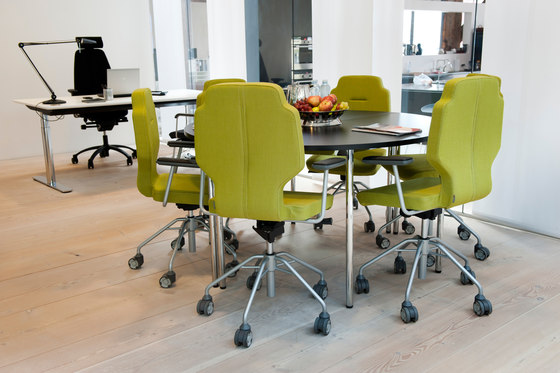RH Session with castors by SB Seating