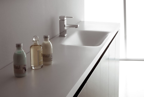 Piacere basin vanity unit by CODIS BATH