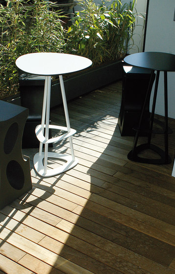 Pop garden table by Miiing