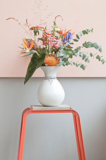 Tabloid Table | flower table de Vij5