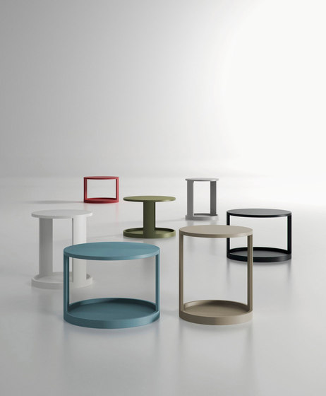 Moon table by ARLEX design