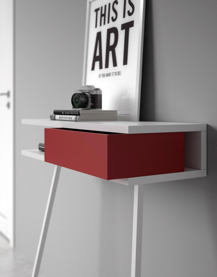 Passing console table by ARLEX design